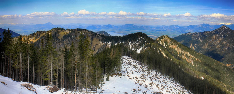 Nízke_Tatry_-_Krakova_hoľa_30.4_(112)_panorama.jpg