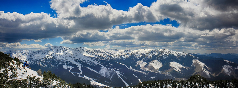 Nízke_Tatry_-_Krakova_hoľa_30.4_(127)_panorama.jpg