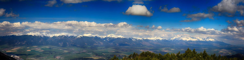 Nízke_Tatry_-_Krakova_hoľa_30.4_(130)_panorama.jpg