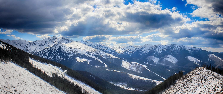 Nízke_Tatry_-_Krakova_hoľa_30.4_(165)_panorama.jpg