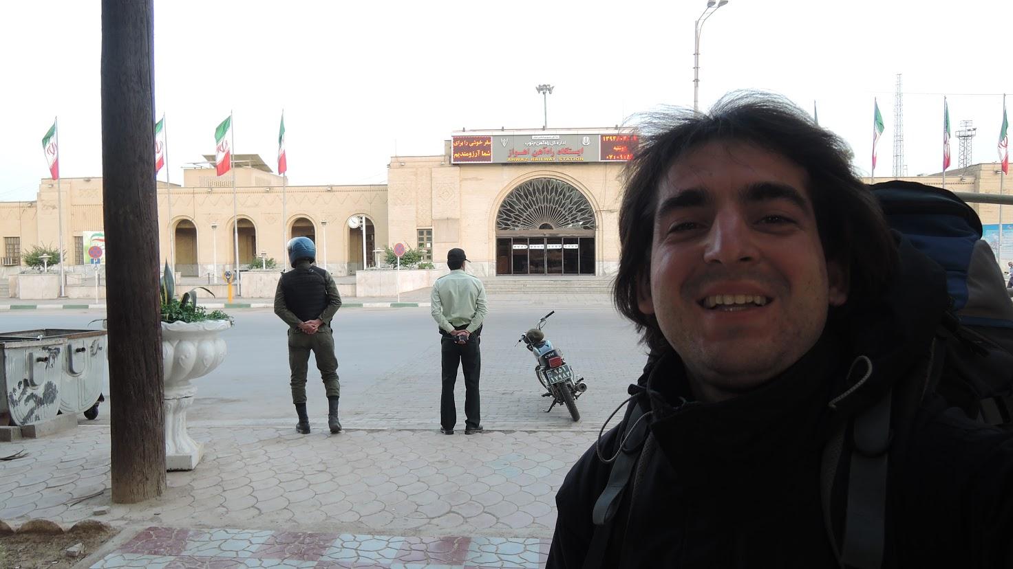9-Na vlakové stanici v hlavním městě Ahvaz provincie Khuzestán v Iránu
