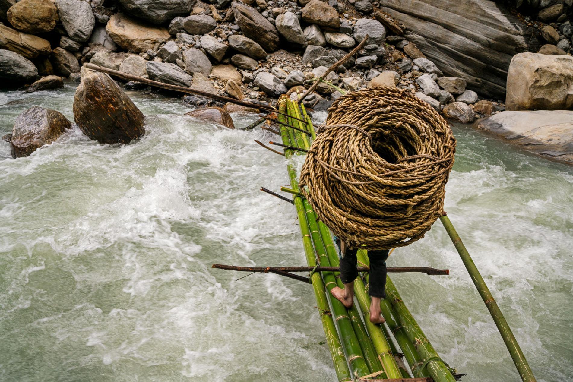 kulung-honey-nepal-bridge.adapt.1900.1